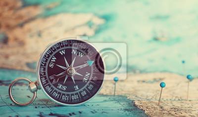 Kompas na mapie.