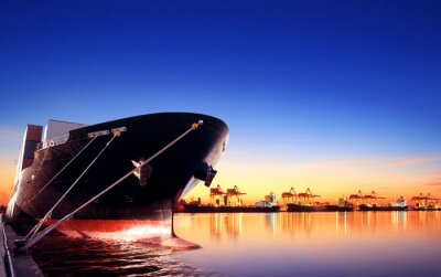 Fototapeta kontenerowiec w imporcie, port wywozu przeciwko piękne rano l