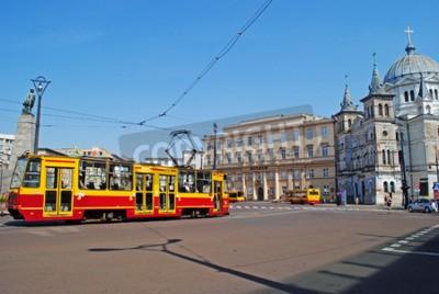 Fototapeta Kościół Ducha Świętego i tramwaju w Łodzi w Polsce