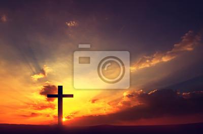 Fototapeta krzyże sylwetka na zachodzie słońca, kopia przestrzeń.