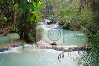 Kuang Si wodospad. Luang Prabang. Laos.