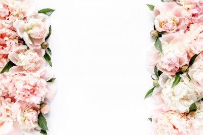 Fototapeta Kwiat granicy rama robić różowy i beżowy pączek peoni bukiet na białym tle. Mieszkanie leżało, widok z góry. Kwiatowy tekstura tło.