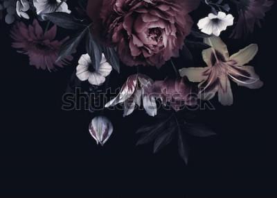 Fototapeta Kwiatowy wzór karty z kwiatami. Piwonie, tulipany, lilia, hortensja na czarnym tle. Szablon do projektowania zaproszenia ślubne, życzenia świąteczne, wizytówki, opakowania dekoracji