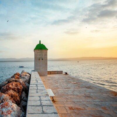 Fototapeta Latarnia morska w mieście Bol, Chorwacja