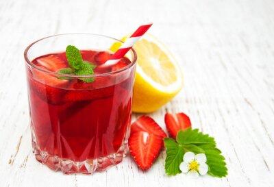 Fototapeta Lato napój truskawkowy