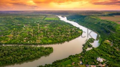 Fototapeta Lato rzeka zmierzch w lesie
