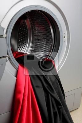 Lejąca tkanina satynowa w pralce