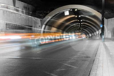 Fototapeta lekkie samochód szlaków w tunelu Gibralfaro w Maladze, Andaluzja, Hiszpania
