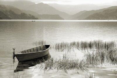 Fototapeta Łódź w Fewa Lake, Pokhara, Nepal