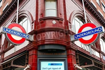 Fototapeta LONDYN - 15 marca Transport w Londynie ogłosił, że
