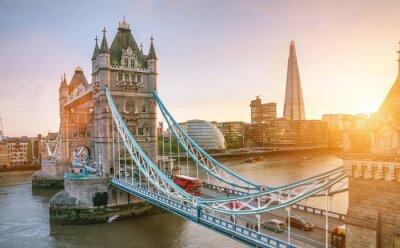 Fototapeta Londyn Basztowy most przy wschodem słońca