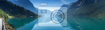 Fototapeta Lovatnet jeziora, Norwegia, panoramiczny widok