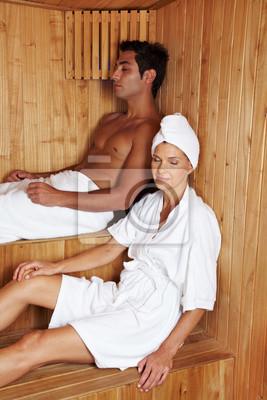 Ludzie w saunie