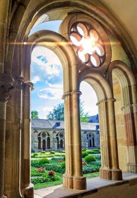 Fototapeta Łuki katedry w Trewirze klasztorne okna z maswerkami -
