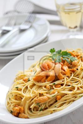 Makaron Z Ikrą Jeżowca Kuchnia Włoska Fototapety Redro