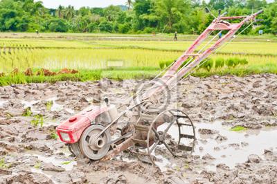małe ciągniki rolnicze