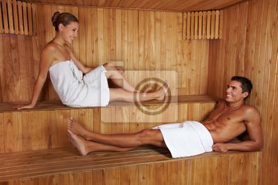 Mann und Frau Reden w saunie