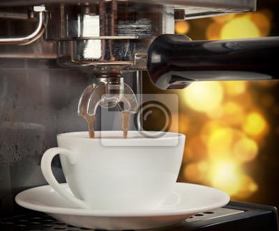 Maszyna do przygotowywania kawy filiżanka kawy
