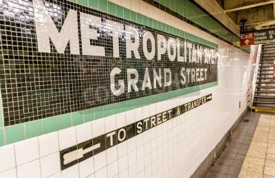 Fototapeta Metropolitan Avenue stacji metra w Nowym Jorku.