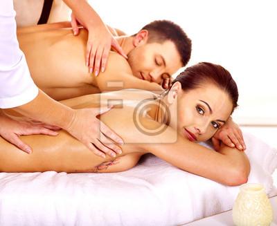 Mężczyzna i kobieta, relaks w spa.