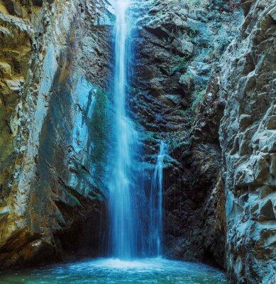 Fototapeta Millomeris Wodospad w Rock Cave, w górach Troodos