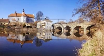 Fototapeta Mirovice miasta i rzeki Skalice