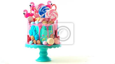 Fototapeta Modny candyland kroplówki ciasto na dzieci, urodziny nastolatka, anniverary, dzień matki i obchody Walentynki, na białym tle.