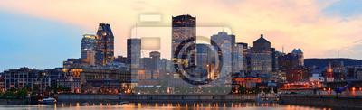 Montreal nad rzeką o zmierzchu