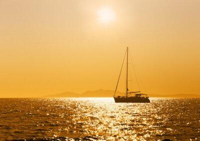 Fototapeta Morze, zachód słońca, jacht.