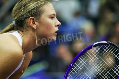 Fototapeta Moskwa, Rosja - październik 14,2005 - Rosji Maria Szarapowa w ćwierćfinale gry w turnieju tenisowego Kremlin Cup w dniu 14 października 2005 w Moskwie.