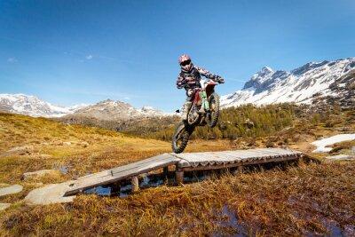 Fototapeta motocross w alta montagna