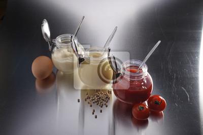 musztarda, keczup i majonez - trzy rodzaje sosów