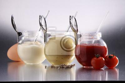 Fototapeta musztarda, keczup i majonez - trzy rodzaje sosów