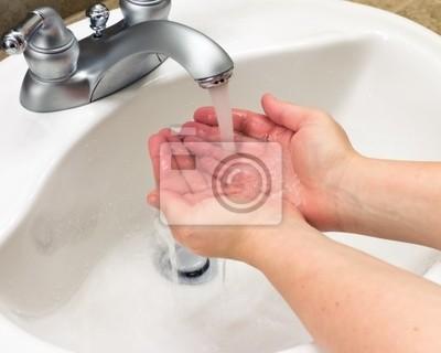 Fototapeta mycie rąk wodą
