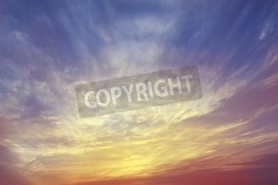 Fototapeta Niebo i płonący blask słońca