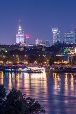 Fototapeta Nocny widok z nabrzeża w Warszawie i centrum skyline