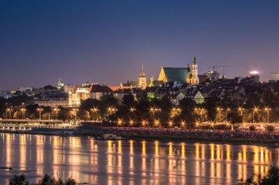 Fototapeta Nocny widok z nabrzeża w Warszawie i starego miasta