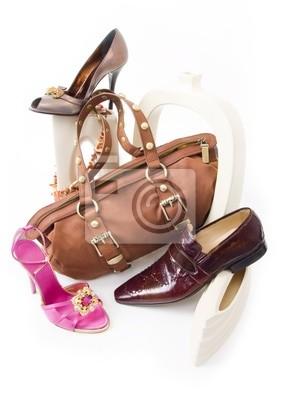 a0de45f5a531c Fototapeta Nowoczesne Martwa natura z buty i torby na wymiar • złoto ...