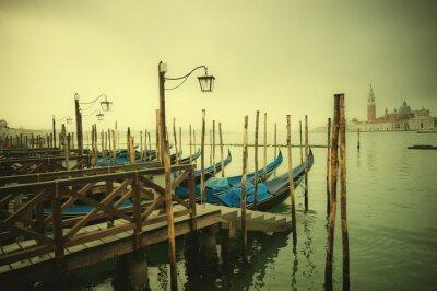Fototapeta Obraz stylu retro Gondole na Canal Grande, Wenecja, Włochy