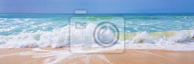 Fototapeta Ocean Atlantycki, widok z przodu fal na plaży