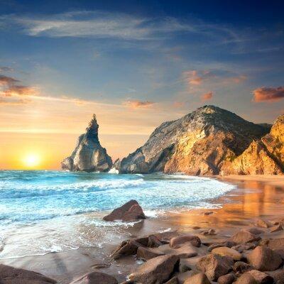 Fototapeta Ocean Krajobraz w czasie Sundown, piękne skały i kamienie beac