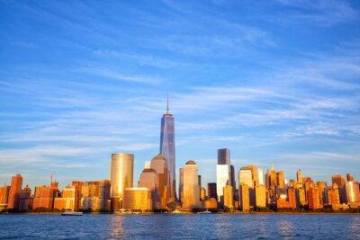 Fototapeta One World Trade Center i Manhattan na zachodzie słońca, New York