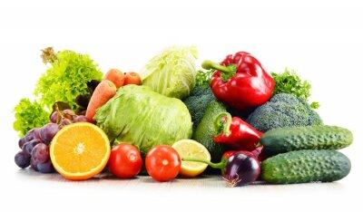 Fototapeta Organiczne warzywa samodzielnie na białym tle