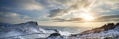 Fototapeta Oszałamiająca Zima panoramiczny krajobraz pokryte śniegiem wsi wit