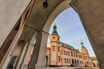 Fototapeta Pałac Biskupi, Kielce, Polska w świetle słońca.