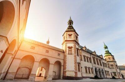 Fototapeta Pałac Biskupów w Kielcach, podczas zachodu słońca.