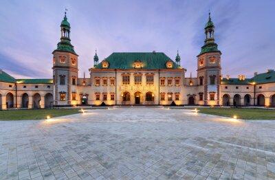 Fototapeta Pałacu Biskupów po zachodzie słońca w Kielcach