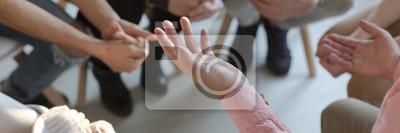 Fototapeta Panorama rąk terapeuty podczas gestykulacji podczas terapii grupowej