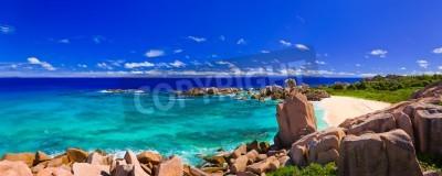 Fototapeta Panorama tropikalnej plaży na Seszelach - tło natura