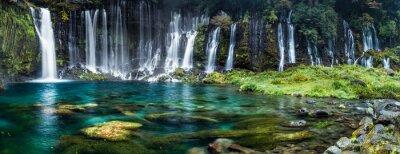 Fototapeta Panorama wodospadu z turkusową wodą niebieski